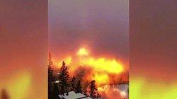 """Video: Bầu trời """"rực lửa"""" ở Na Uy gây kinh ngạc"""