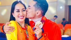 Khánh Thi khóc nức nở khi chồng trẻ kém 12 tuổi giành HCV SEA Games