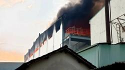 Bình Dương: Cháy lớn tại công ty bánh kẹo trong KNC Sóng Thần