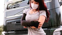 Nhan sắc nữ tài xế xe tải có vòng một nóng bỏng nhất Nhật Bản