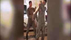 Video: Dập lửa cháy trên người cực nhanh bằng tay không theo cách của binh sĩ Indonesia