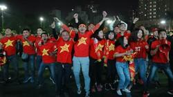 CĐV vỡ òa, lâng lâng trong men say chiến thắng của U22 Việt Nam