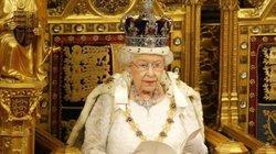 Đã 93 tuổi, vì sao nữ hoàng Anh Elizabeth II vẫn tiếp tục tại vị?
