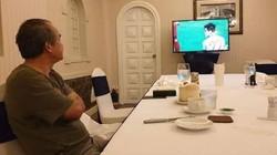Tin sáng (11/12): Xúc động hình ảnh bầu Đức lặng lẽ xem U22 Việt Nam lập đại công