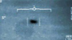 """Mỹ """"tung hỏa mù"""" vụ tàu sân bay chạm trán UFO để thử công nghệ tối mật?"""