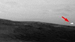 Ánh sáng bí ẩn trên Sao Hỏa được chụp bởi tàu thăm dò của NASA