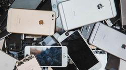 Không hài lòng với thưởng Tết, nhân viên nghiền nát 3000 chiếc iPhone