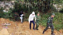 Bắt 2 người Trung Quốc đưa bé trai 13 ngày tuổi qua biên giới