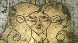 Khai quật cổ mộ ở Hy Lạp, choáng khi phát hiện nhiều báu vật, sàn và tường lót vàng