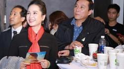 Cặp vợ chồng nghệ sĩ đẹp nhất màn ảnh Việt tình tứ bên nhau đi xem phim