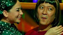Trường Giang hoảng hồn khi được Phi Nhung ôm hôn trước hàng nghìn khán giả ở Mỹ