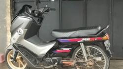 Phì cười với sự kết hợp giữa xe số Honda và xe tay ga Yamaha