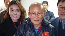 Hé lộ danh tính fan nữ được thầy Park ưu ái đặc biệt ở Hàn Quốc