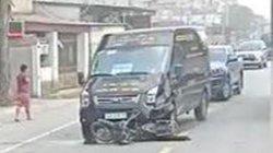 Hãi hùng cảnh xe Limousine kéo lê xe máy hàng chục mét, 2 người thương vong