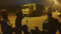 """UBND Hà Nội """"hỏa tốc"""" giải quyết vụ dân chặn xe chở rác ở Sóc Sơn"""
