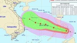 Tin mới nhất về bão Phanfone: Giật cấp 14 đang tiến vào Biển Đông