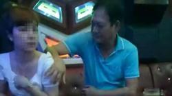 Phó Bí thư Huyện ủy sờ ngực nữ tiếp viên karaoke bị quay clip