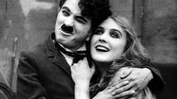 Thư gửi con gái của vua hề Charlie Chaplin viết đêm Giáng Sinh 1965
