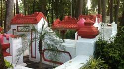 """Thân thế ngôi mộ cổ trong công viên """"ma ám"""" ở Sài Gòn"""