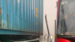"""Nóng 24h qua: Công an tiết lộ sự thật bất ngờ vụ xe container """"dìu"""" xe khách đổ đèo"""
