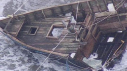 """Phát hiện """"tàu ma"""" với 5 bộ xương trôi dạt bờ biển Nhật Bản"""