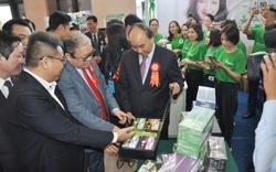 Thủ tướng Nguyễn Xuân Phúc khen ngợi sản phẩm hữu cơ tại lễ Kỷ niệm 90 năm ngày thành lập Hội NDVN