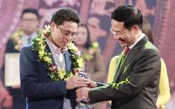 """Video: Báo Nông thôn Ngày nay/Dân Việt được vinh danh trong lễ trao Giải báo chí """"75 năm Quốc hội Việt Nam"""""""