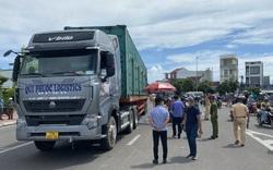 Tai nạn nghiêm trọng giữa xe container và xe đạp điện, 2 nữ sinh chết thảm