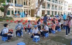 Hàng trăm học sinh Nha Trang chuẩn bị trở lại trường