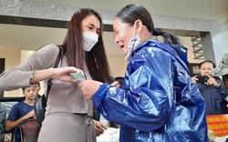 """Thông tin """"nóng"""" về việc ca sĩ Thủy Tiên cứu trợ bà con vùng lũ ở Quảng Nam"""