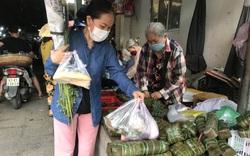 Đà Nẵng: Tết Đoan Ngọ dồi dào hàng hóa nhưng sức mua yếu, tiểu thương ngao ngán mời khách