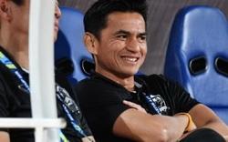 Thái Lan sa thải HLV Nishino, HAGL lo mất Kiatisak?
