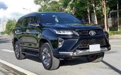 Toyota Fortuner Legender mất giá chóng mặt sau gần 1 năm lăn bánh