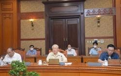 Ảnh: Tổng Bí thư Nguyễn Phú Trọng chủ trì cuộc họp lãnh đạo chủ chốt về phòng, chống Covid-19