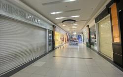 Hà Nội: Trung tâm thương mại ngày đầu mở cửa trở lại
