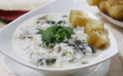 Cháo trứng bắc thảo mềm nhuyễn cho ngày nắng chẳng thiết ăn cơm