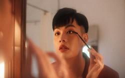 """Đào Bá Lộc khiến hội chị em ghen tỵ vì """"gia tài"""" son môi, đồ makeup phong phú"""