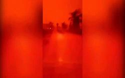 Video: Bầu trời biến thành màu đỏ như máu ở Indonesia