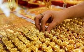 Giá vàng thế giới tăng 2 tuần liên tiếp, vàng trong nước trụ vững trên 58 triệu đồng/lượng