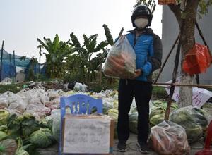 Giải cứu nông sản Hải Dương: Xúc động phiên chợ 0 đồng, trả tiền tùy tâm giữa Thủ đô