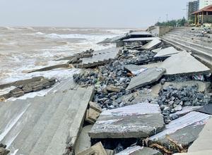 Quảng Bình: Kè biển 35 tỷ đồng vỡ nát sau áp thấp nhiệt đới