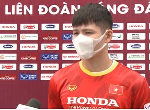 Tuyển thủ U22 Việt Nam nói gì khi luyện tập giữa trưa?