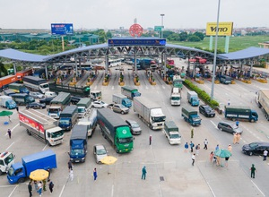 Tài xế đi hơn 1.000km từ Vĩnh Long, đến cửa ngõ Hà Nội bị yêu cầu quay xe