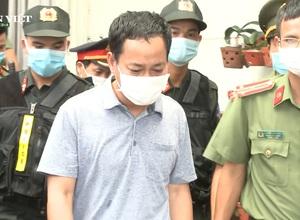Video: Tham ô hơn 5 tỷ đồng, Chánh Văn phòng Cảng hàng không quốc tế Phú Bài bị bắt