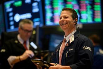 Doanh nghiệp Mỹ khởi đầu mùa báo cáo kinh doanh đầy triển vọng, Dow Jones tăng gần 240 điểm