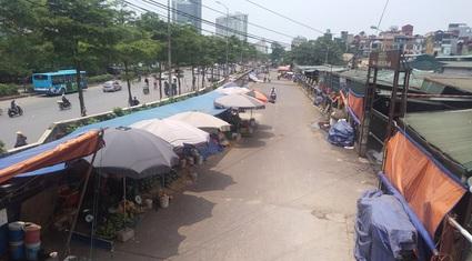 """Sau vụ Hưng """"kính"""" chợ Long Biên: 62 ki ốt ký sai quy định thu về bao tiền mỗi năm?"""