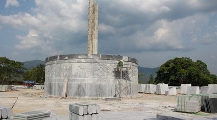 """Huyện nghèo xây tượng đài 48 tỷ đồng: """"Quy mô lớn mà dân thấy xa lạ, sẽ thất bại"""""""