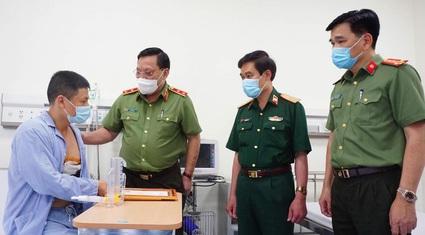 Bộ Công an gửi thư khen tài xế taxi dũng cảm bắt cướp tại Hà Nội