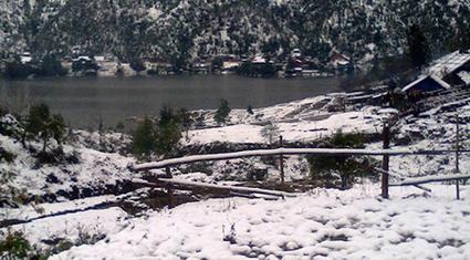 Nắng ấm, Sapa đẹp trong tuyết tan