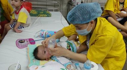 Bệnh nhân mắc và tử vong vì sởi tiếp tục tăng: Lo bệnh chồng bệnh